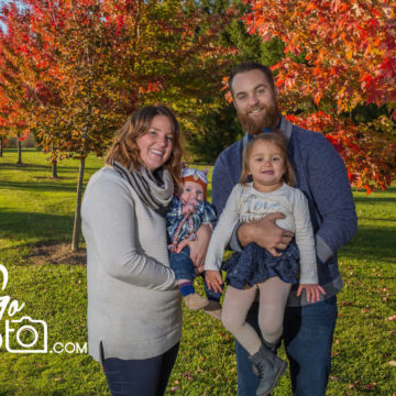 Autumn Family portrait session by JoeGo Photo